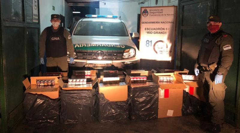 Hallan 5.500 atados de cigarrillos ilegales en un automóvil abandonado en cercanías al límite internacional con Chile