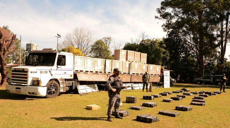 Secuestran más 760 kilos de marihuana que iban en un camión desde Brasil con rumbo a Córdoba