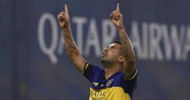 Boca derrotó 2 a 0 a  Newell's en la bombonera. Hubo un sentido homenaje a Maradona