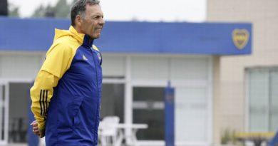 """Russo confirmó que """"Pol"""" Fernández no jugará más en Boca y que Salvio viaja a Brasil"""